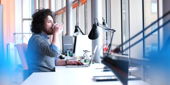storyblocks-young-entrepreneur-freelancer-working-using-a-laptop-in-coworking-space_HueGI18u3b-1